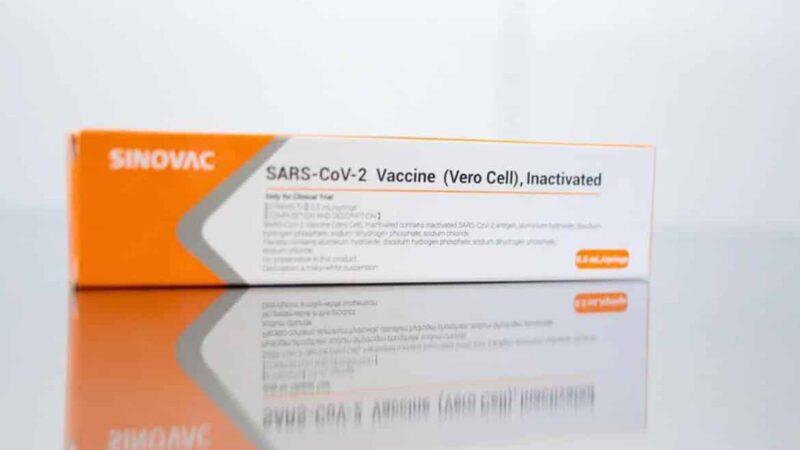 Vacina Coronavac tem eficácia de 50,38% contra covid-19, informa Butantan