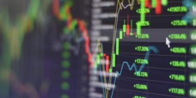 S&P 500 opera em alta com estímulos fiscais no radar; Bolsas europeias caem