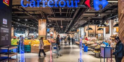 Venda de fatia no Carrefour traria perdas para o bilionário Bernard Arnault, diz Bloomberg