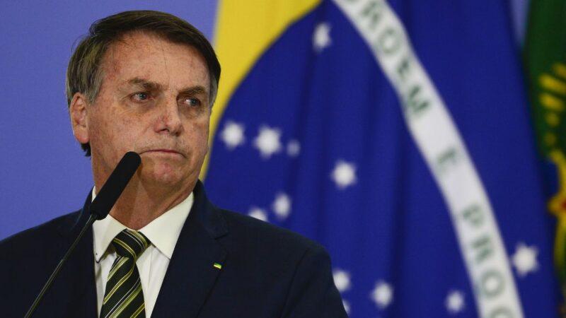 Bolsonaro decreta que postos de combustíveis divulguem valores de tributos