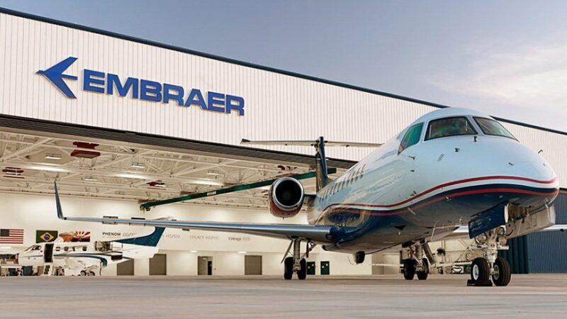 Embraer (EMBR3) alça voo de mais de 14% com renovação na Lufthansa