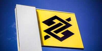 Banco do Brasil (BBSA3) vê falha com Bolsonaro e venda de ativos no exterior