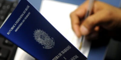 IBGE: taxa de desemprego fica em 13,9% no trimestre até dezembro