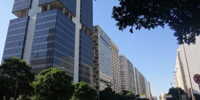 Bolsonaro sanciona lei que garante autonomia do Banco Central
