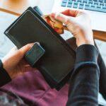 Finanças femininas: Por que é fundamental mulheres falarem sobre dinheiro