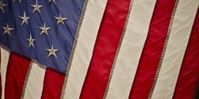 EUA: Setor privado cria 117 mil empregos em fevereiro, diz ADP