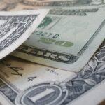 Dólar sobe 0,5%, com mercado atento ao impasse do Orçamento 2021