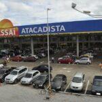 """Assaí (ASAI3) escala 385,73%, a R$ 71,40, em estreia na B3; cisão é vista como """"positiva"""""""
