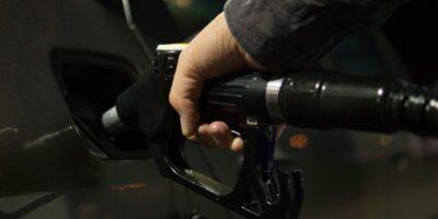 Preço da gasolina começa 2º semestre próximo de R$ 6,00, aponta Ticket Log