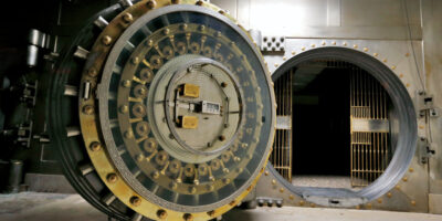 """Taxação de bancos reflete """"círculo vicioso"""" e afugenta investidores, dizem especialistas"""