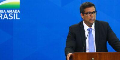 Expectativas de alta do PIB estão indo em direção a 4%, diz Campos Neto