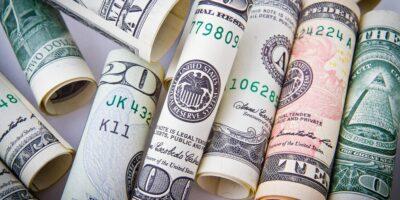 Dólar para 2021 passa de R$ 5,37 para R$ 5,40, projeta Boletim Focus