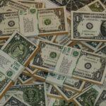 Dólar opera em alta de 1,2%, negociado a R$ 5,06