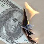 Dólar tem alta puxado pelo tom pessimista do mercado internacional