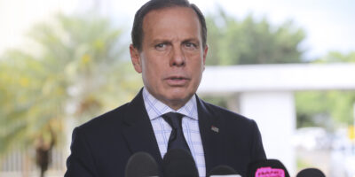Governo de São Paulo avalia estender fase de transição, diz coluna