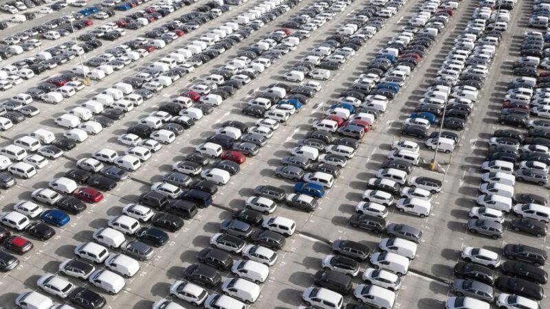 Empresas de locação compraram mais de 120 mil automóveis em 2021, diz ABLA