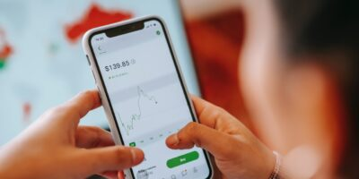 Apps financeiros: Número de instalações aumenta 65% no Brasil em 2020, diz estudo