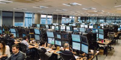 XP atinge R$ 817 bilhões em ativos sob custódia, alta de 88% no ano