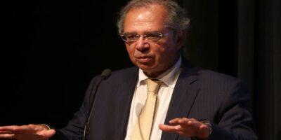 Auxílio emergencial será prorrogado por mais 3 meses, diz Guedes