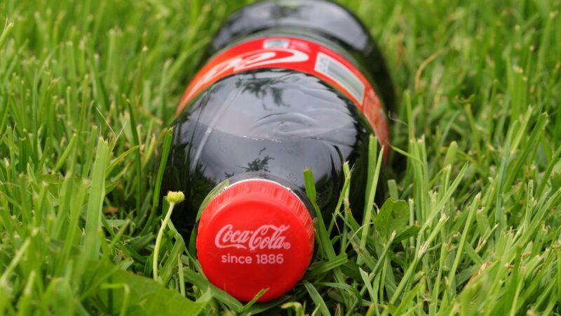 Coca-Cola (COCA34) perde US$ 4 bi em capitalização após gesto de Cristiano Ronaldo