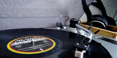 Oaktree investe US$ 375 mi em dona de direitos da música de Bob Marley