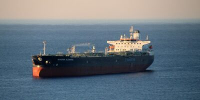 Ataque contra navio petroleiro israelense deixa dois mortos na costa de Omã