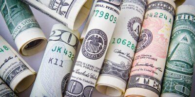 Dólar cai 1,31% após decisão do Fed e fecha a R$ 5,11