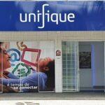 Unifique (FIQE3) estreia em queda na B3; IPO movimenta R$ 820 milhões