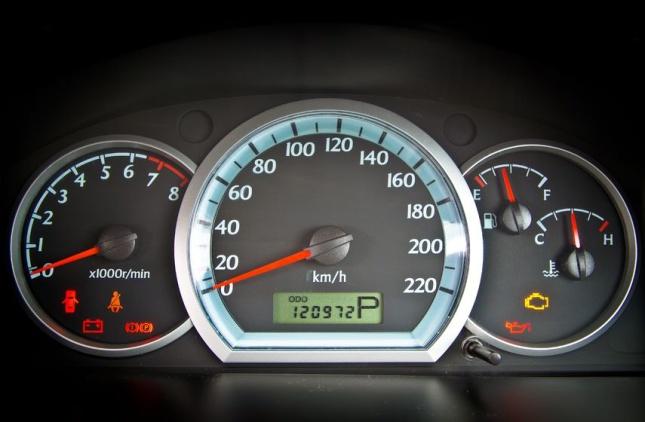 Kontrolky v autě nesou důležité informace