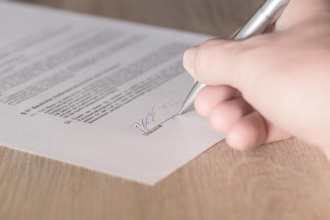 výpověď smlouvy, podpis