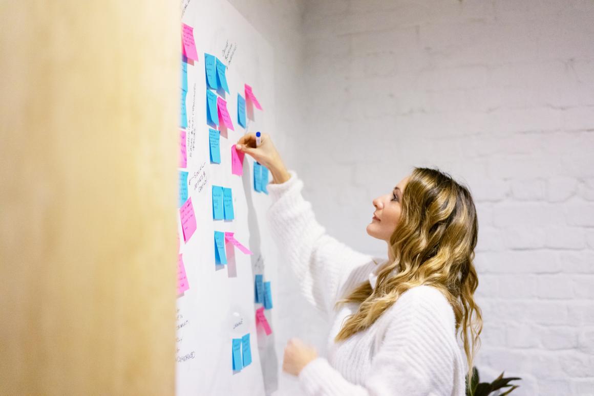 Lizzie Earl, Founder and Director, Munch - KOSSIE - Work Smarter, Not Harder