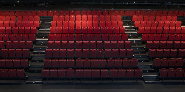 Ana Barceló y Víctor Barahona seleccionados para las residencias artísticas de ayudantes de dirección de escena del Teatro Español