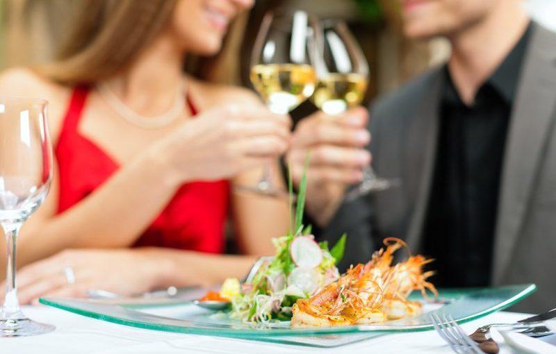 dinner date Paris