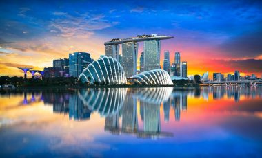 Dinner date in Singapore with an escort