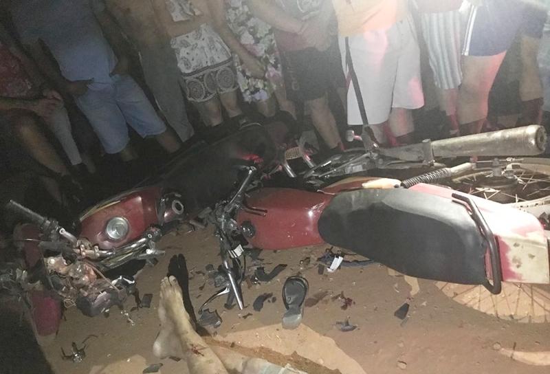 Mais um acidente envolvendo motocicletas deixou uma vítima fatal na região  de Picos. Por volta das 17h30 desta segunda-feira b31d86eade343