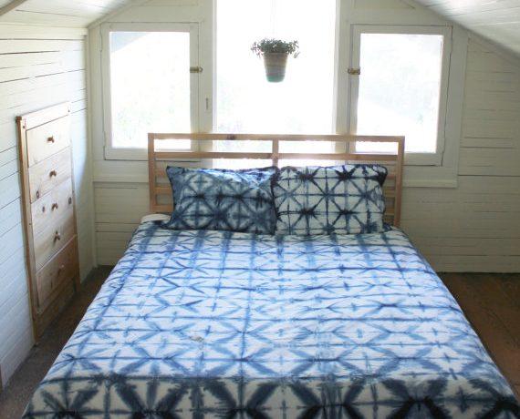 Diy hibori dyeing for yoru and your home.