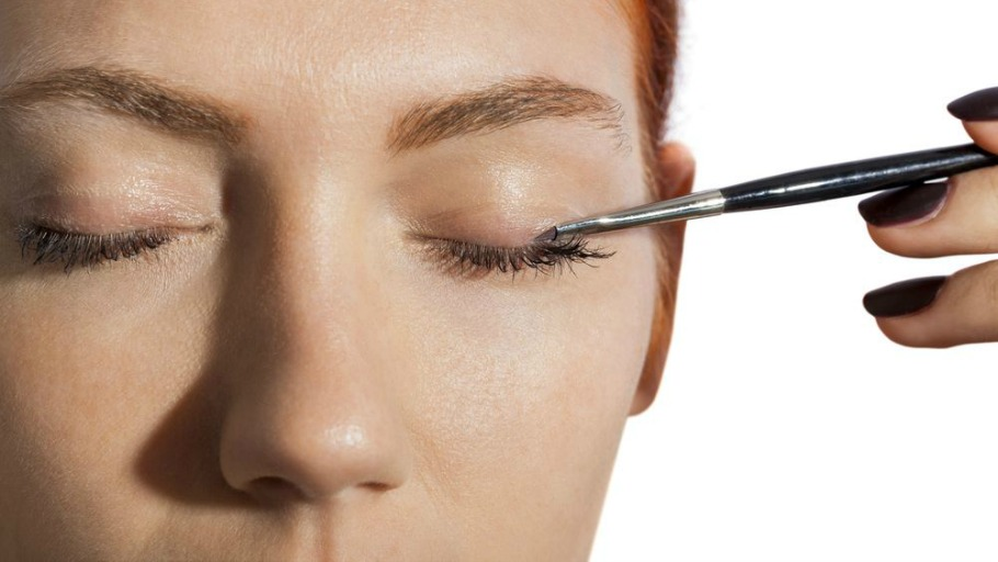 Eye Contouring. The Latest in Makeup Manipulation