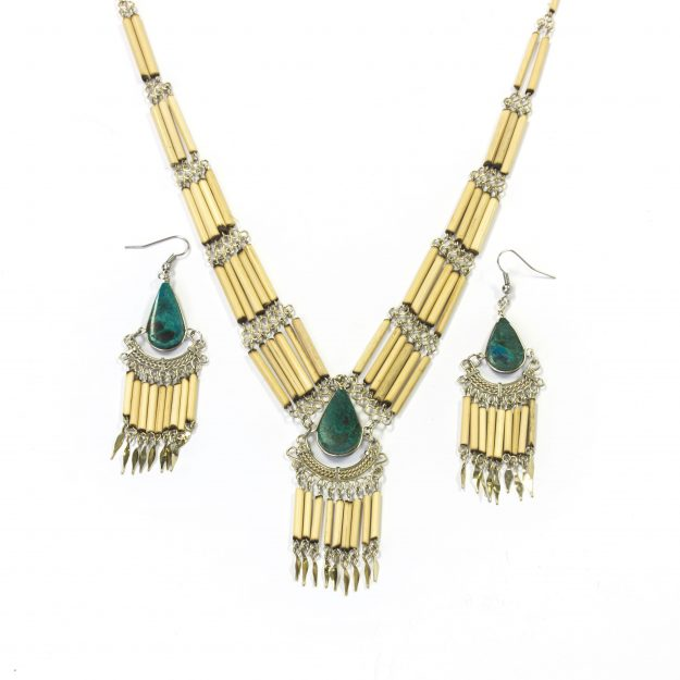 Vavavida-necklace-earrings