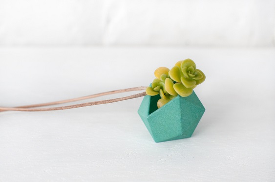 Living Plant Jewelry: A Budding New Trend