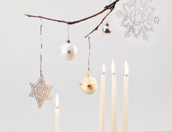 Easy modern christmas decor ideas.
