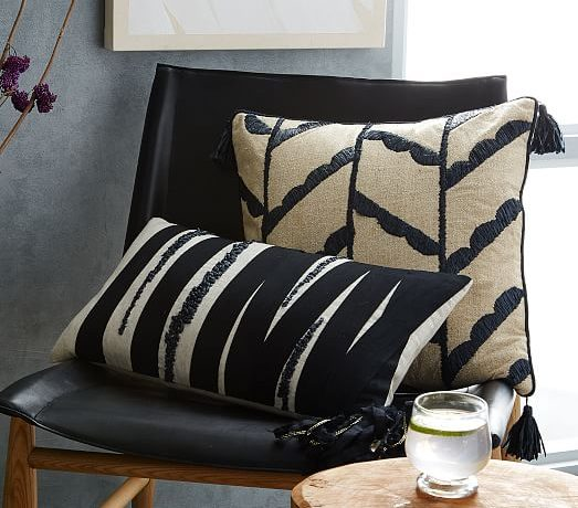 Easy tips for how to mix and match throw pillows to make your space comfy and stylish.
