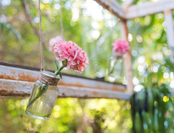 10 (Almost) Instantly Gratifying Outdoor DIY Projects to Try for Spring