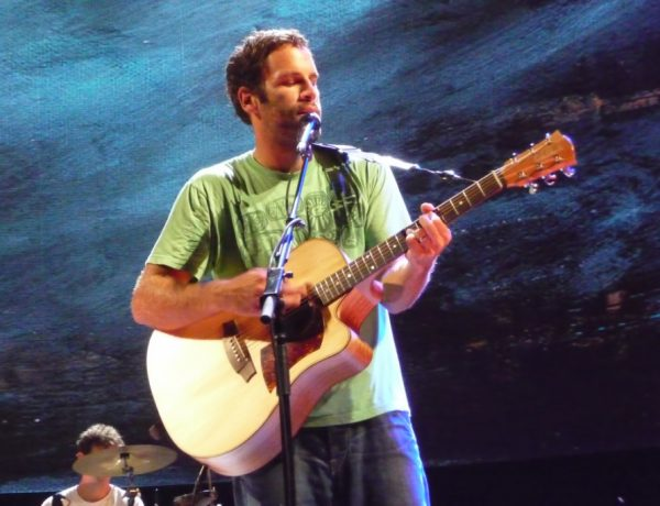 Jack Johnson is greening the live music experience.