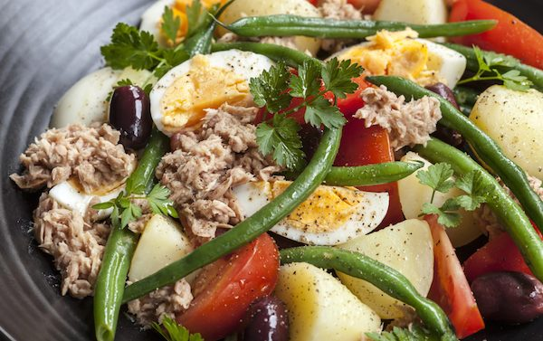 Salad Nicoise recipe with anchovy-lemon dressing