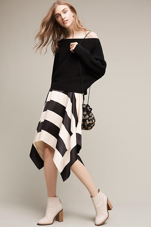 5 Trendy Pieces Featuring Striking Stripes: Friday Finds