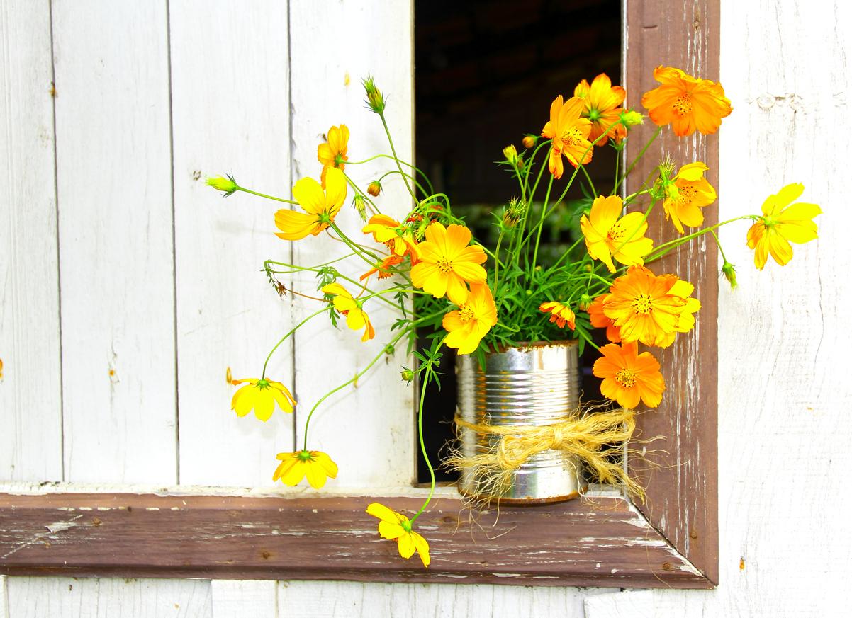 7 Super Clever Repurposed Flower Vases for Summer Blooms