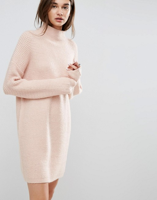 5 Comfort Clothes to Get You in the Mood for Fall: Friday Finds