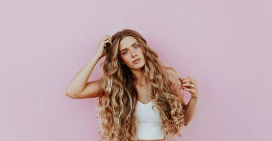5 Essential Oils You Can Use to Make Your Hair Stronger and Shinier