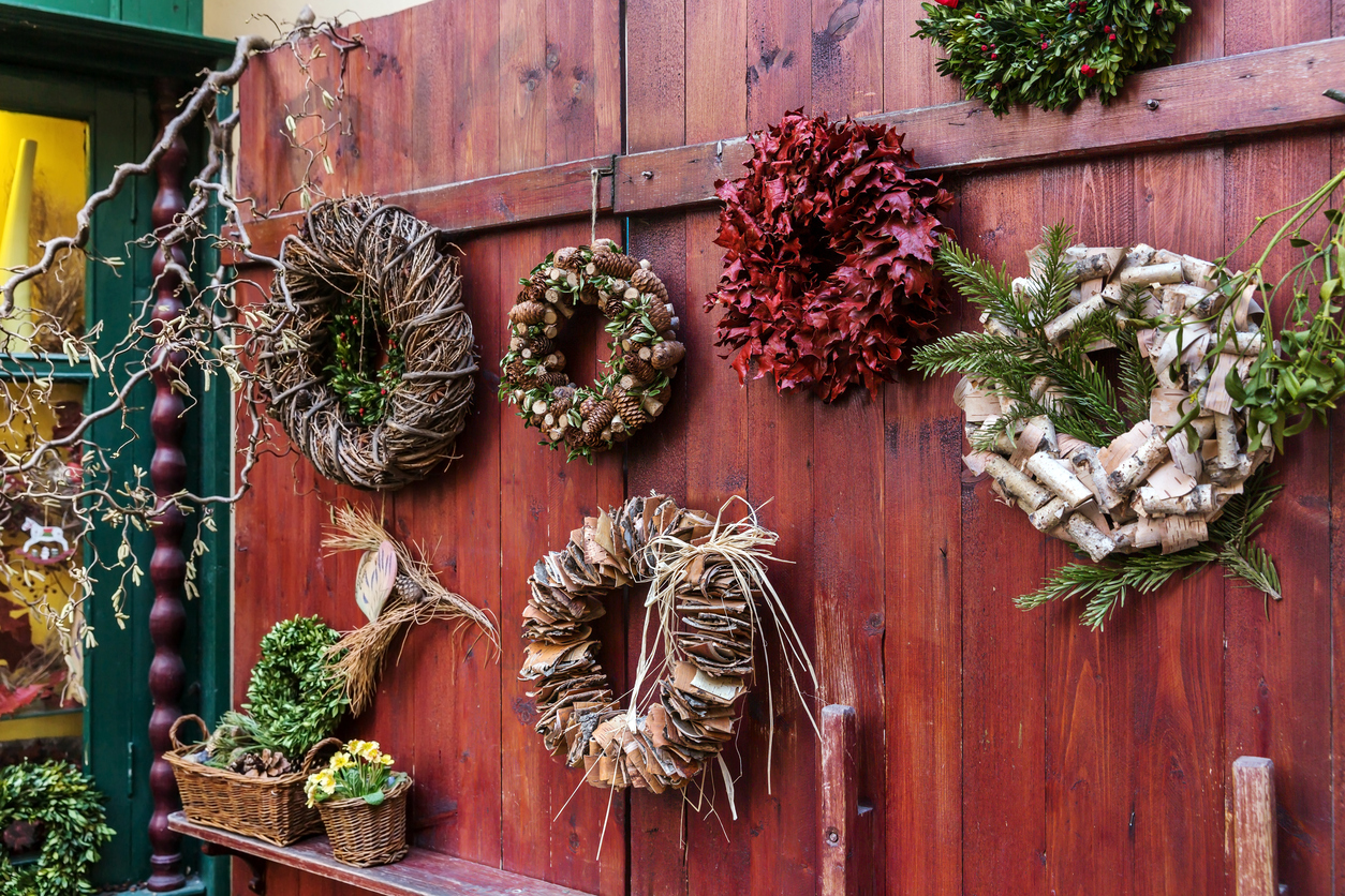 7 Magically Repurposed DIY Holiday Wreath Ideas