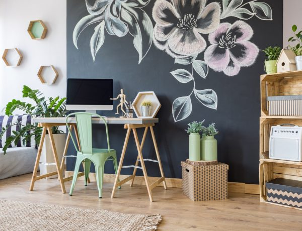 10 Desk Decor Ideas